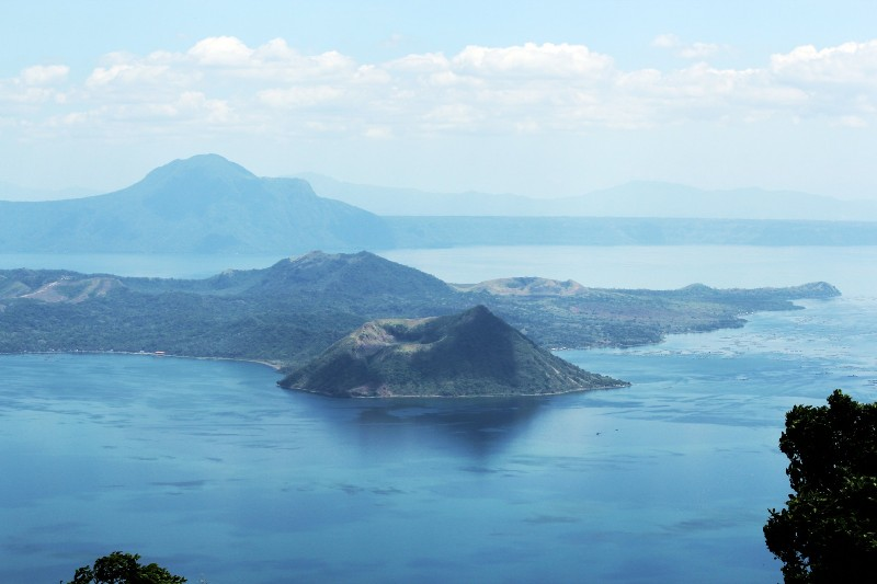 taal-vocano-in-the-philippines-1