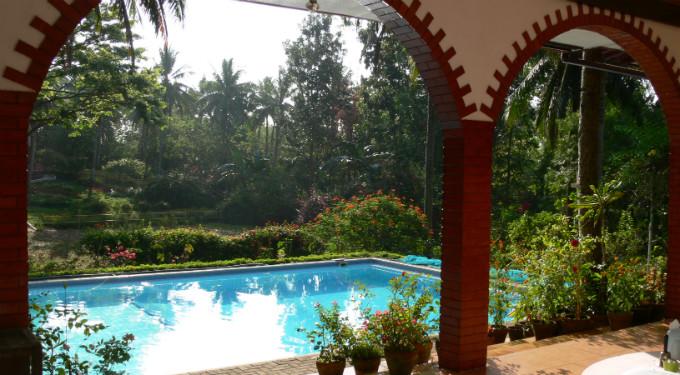 nazareth-formation-Swimming-pool-_-veranda-small