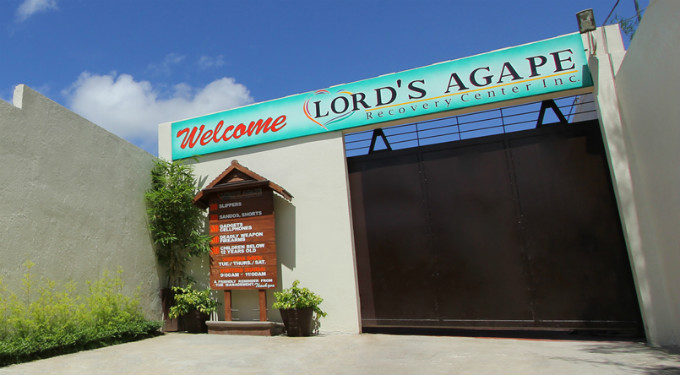 lords-agape-recovery-center-entrance-crop