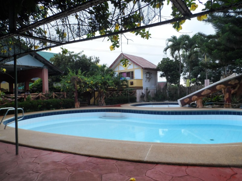 serenity-house-of-sobriety-pool