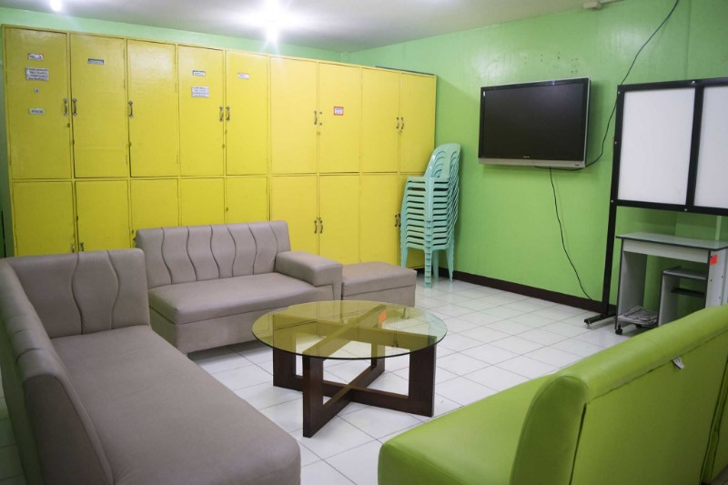 new-day-recovery-center-interior-lounge